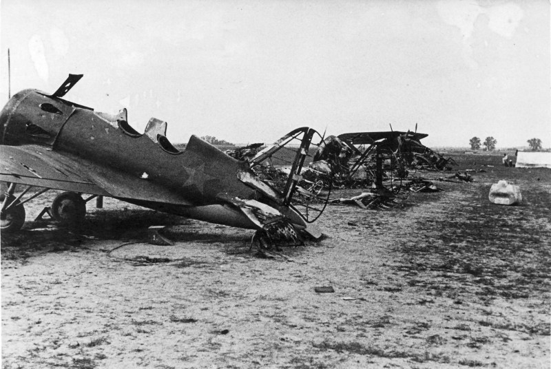 Operation_Barbarossa_-_Russian_planes (1)