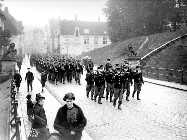 Menin_Gate_-_start_of_WWI